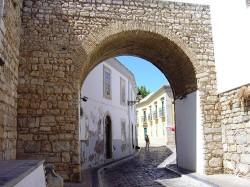 Faro Old Town by Husond@wikimedia.org
