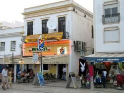 Albufeira Old Town Centre by Osvaldo Gago @Wikimedia.org-500