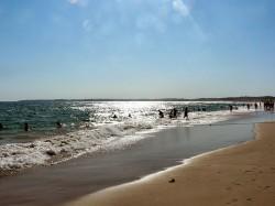 Beach - Alvor Portugal by Paulo Juntas @ wikimedia.org