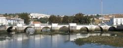 Tavira - Roman Bridg by Osvaldo Gago @ Wikimedia.org