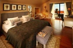 grande real villa italia hotel room