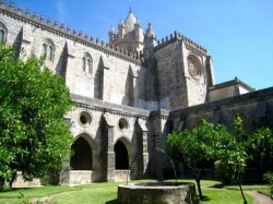 Évora - Cathedral and Sacred Art Museum