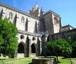 Evora - Cathedral and Sacred Art Museum
