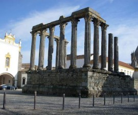 Evora - Temple of Diana by Darwinius @Wikimedia.org