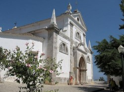 Tavira - Church Santa Maria by distruggetelemacchine @ Wikimedia.org