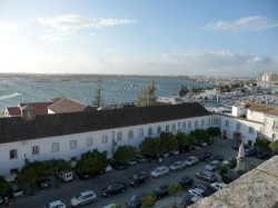 Tavira - Trip to Faro - Main Square by Rokaszil @ Wikimedia.org