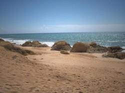 Albufeira - Gale Beach by Georges Jansoone @Wikimedia.org