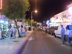 Albufeira - Nightlife by @ Gilberto Silva Fan @Wikimedia.org