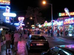 Albufeira - Nightlife by Osvaldo Gago @Wikimedia.org