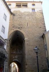 Coimbra - Torre - Arco Almedina by Carlos Luis M C da Cruz @Wikimedia.org