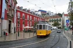 Lisbon - Alfama Neighbourhood - Tram by H. Hoffmeister @Wikimedia.org