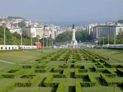 Lisbon - Book Fair by Celestino Manuel @Wikimedia.org