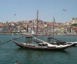 Porto - Cais Ribeira by Rei-artur @Wikimedia.org